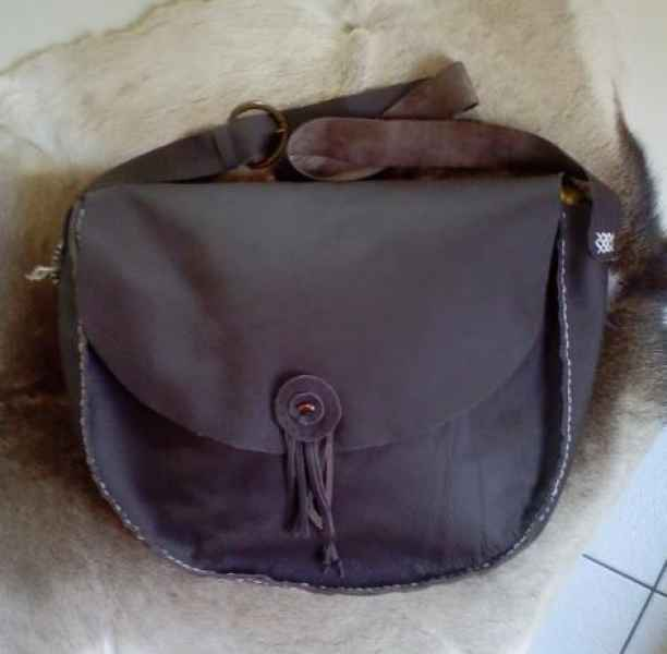 Ledertasche oval